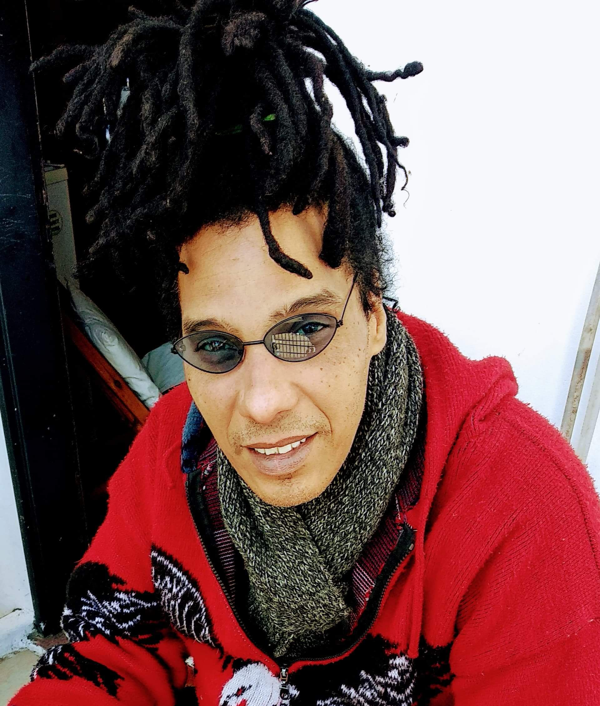 So I was trolling the streets meeting many street artists until one day an Englishman David Butlle known as (Mr. Bongo) arrives in Cuba looking for an orchestra to produce an album for him in Britain