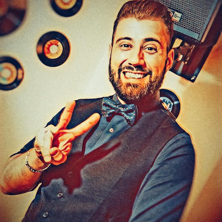 Dj Lindo is an Italian DJ and producer of Latin music (Salsa and Bachata).