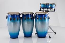 In the late 1920s, the son sextets and septets, which used bongo, reached a remarkable popularity in Cuba