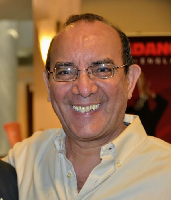 Carlos Navarro leader of Orquesta Versatil