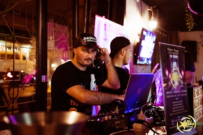 DJ dressed in black at the All Stars Festival in Budapest
